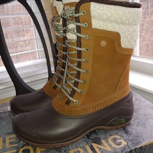 Women's North Face Snow Boots
